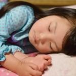 子供の寝言が酷い時や叫ぶ時は夜驚症かも!原因と症状は!